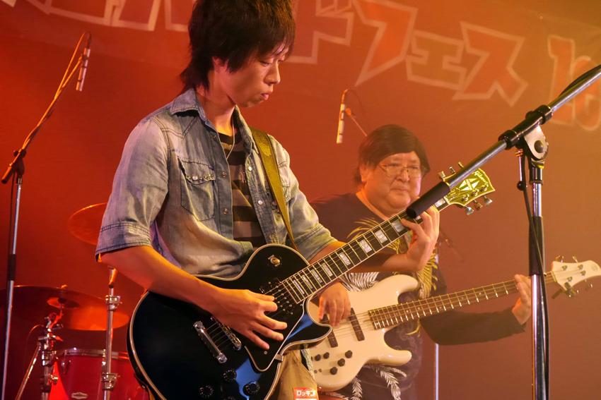 5.もん吉Band写真-4