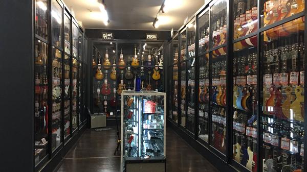 高級エレキギターコーナー